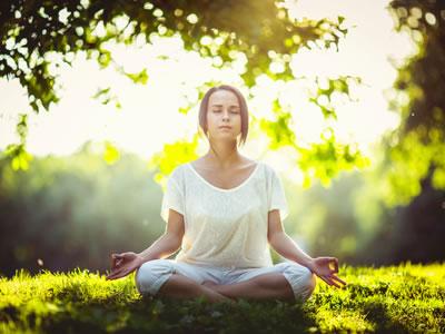 Enstpannung finden in der Meditation. Foto:  © LuckyImages - Fotolia.com
