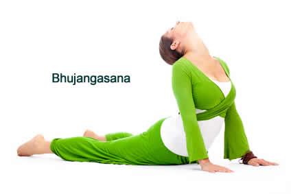Bhujangasana Yoga stärk die Muskulatur