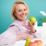 Eine Frau möchte in den Wechseljahren abnehmen