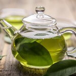 Ein Star der sogenannten Anti-Krebs-Lebensmittel: Grüner Tee.